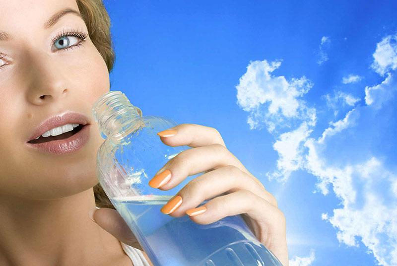Igyál mindig sok tiszta vizet! Az egészséges életmód elengedhetetlen része